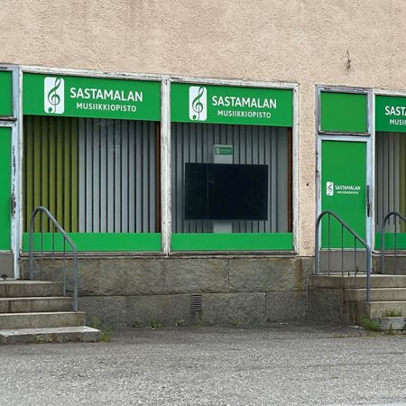 Ulkoasua Sastamalan Musiikkiopistolle